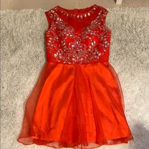 Dresses & Skirts - Red prom dress